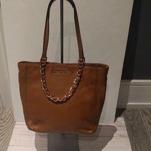 Beautiful brown bag by Michael Kors 🌸